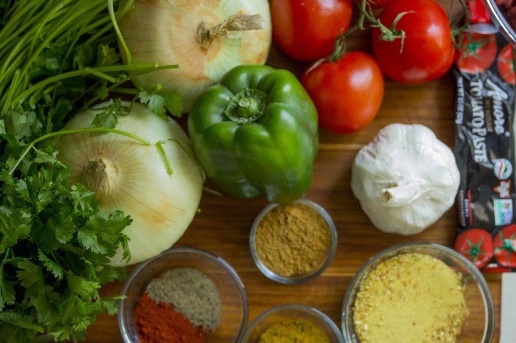 Природные источники зеаксантина: темно-зеленые листовые овощи, такие как шпинат и листовая капуста; брокколи; Брюссельская капуста; цуккини; болгарский перец; авокадо; яичные желтки.