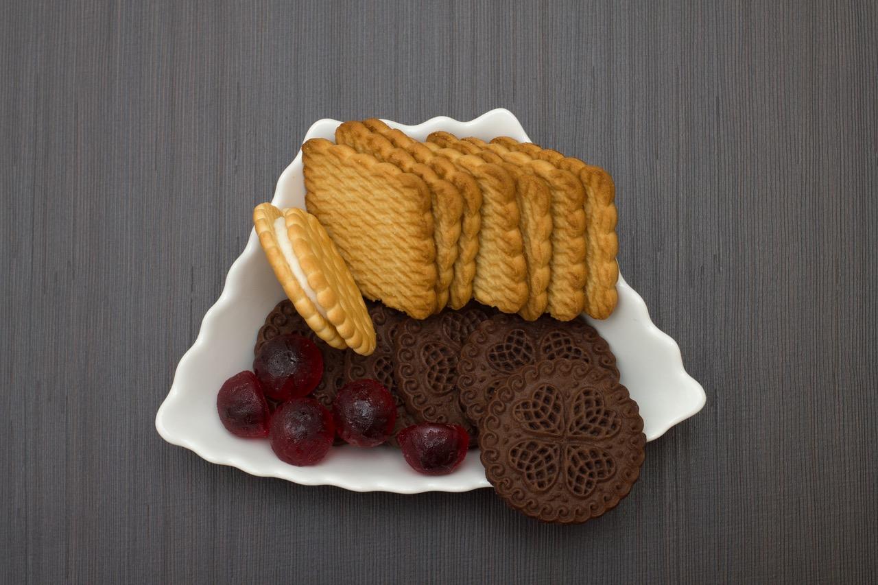 Сладости. Различные лакомства, такие как печенье, конфеты способны мгновенно снизить уровень в крови тестостерона.